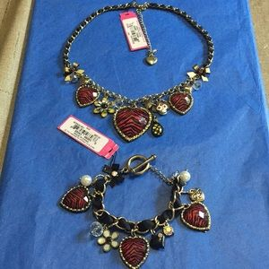 Vintage 🐵 🌸 ❤️ 🍍 necklace/earrings NWT Rare